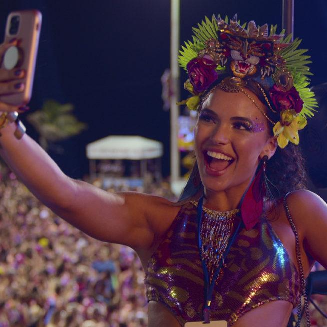 """Vista o seu abadá: """"Carnaval"""" chegou à Netflix!"""